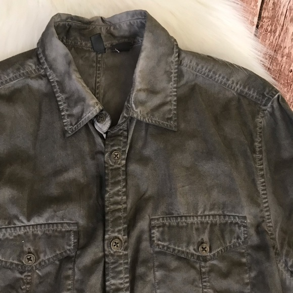 H&M Other - H&M Shirt Size Small Olive Green